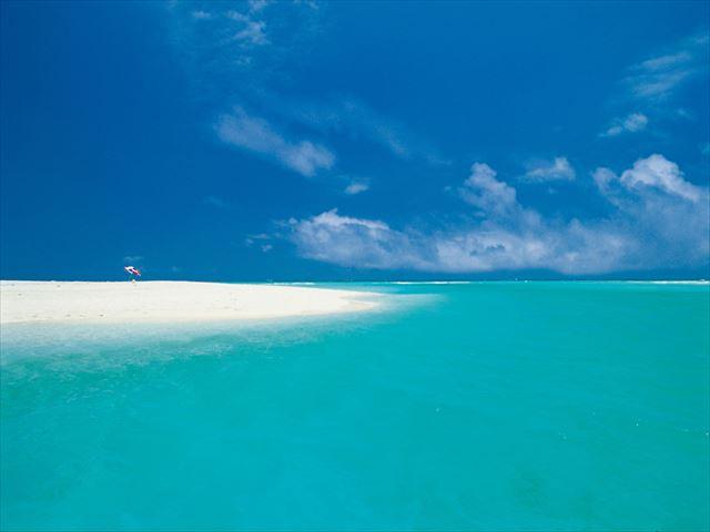全長7キロ!白砂だけの美しすぎるビーチ『ハテの浜』 1