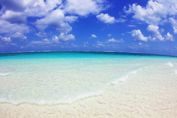 全長7キロ!白砂だけの美しすぎるビーチ『ハテの浜』 3