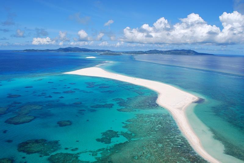 全長7キロ!白砂だけの美しすぎるビーチ『ハテの浜』