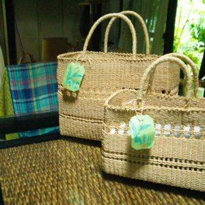 月桃繊維を使った手作りバッグ
