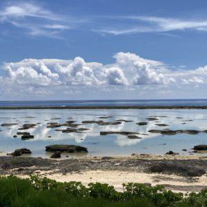 サイプレスリゾート久米島から望むシンリ浜